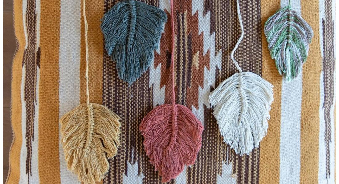 Easy to knot! Macramé feather project