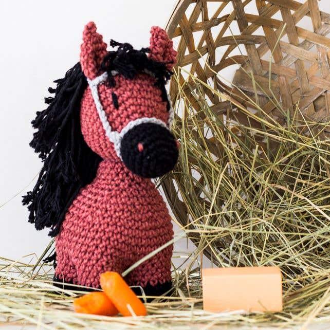 DIY Crochet Pattern Pony Sienna