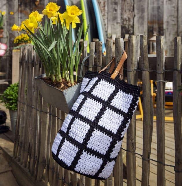 DIY Crochet Pattern Molla Mills Ruutu Bag