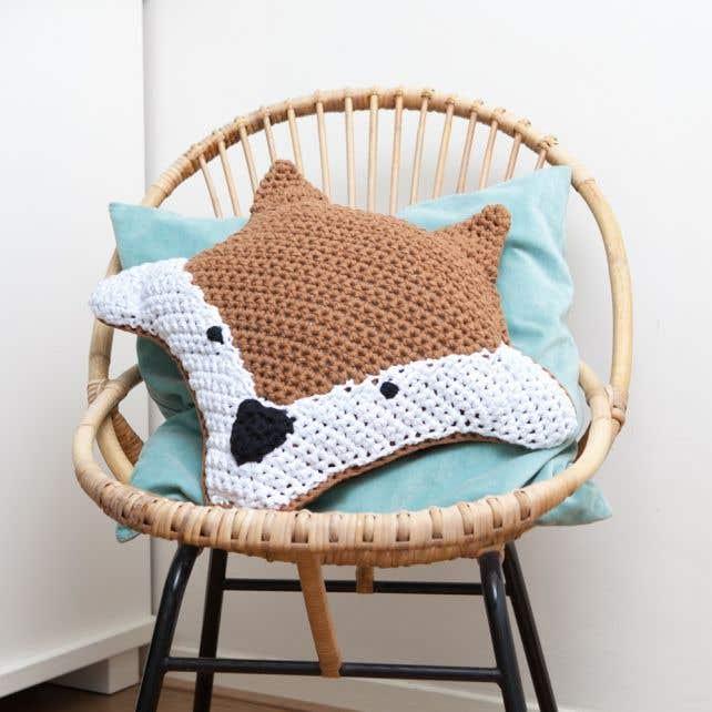 DIY Crochet Kit Foxy Cushion