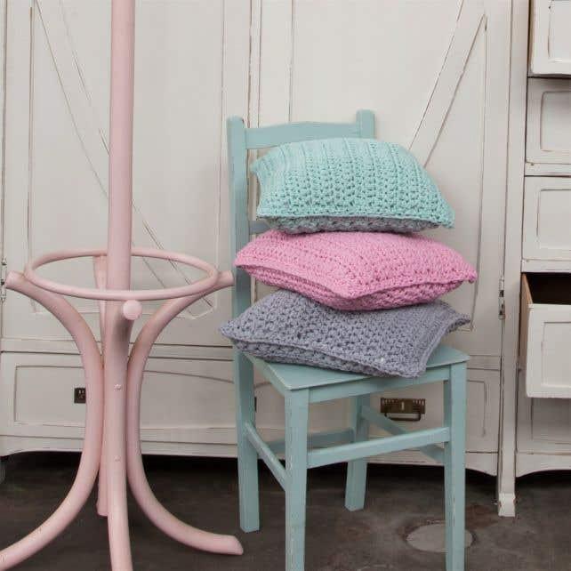 DIY Crochet Pattern RibbonXL Cushion