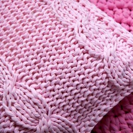 DIY Knitting Kit RibbonXL Cable Cushion Sweet Pink