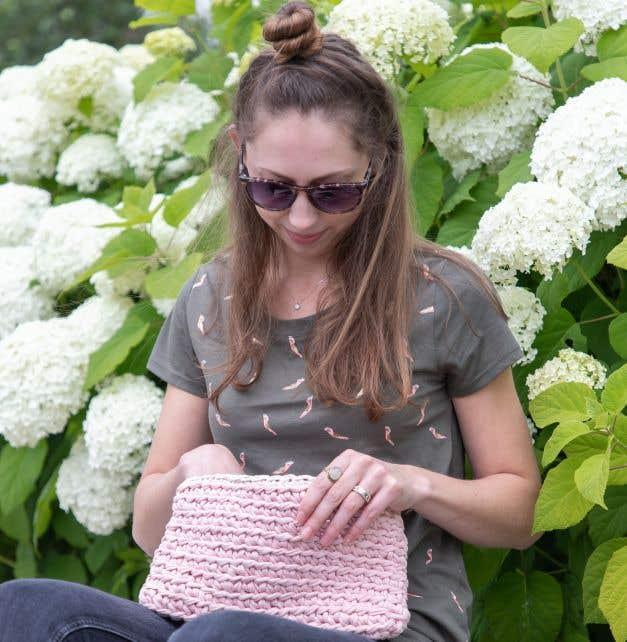 DIY Free Crochet Pattern Pouch Riva