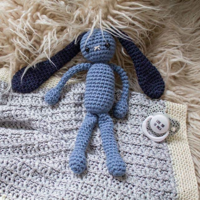 DIY Crochet Kit Blushing Bunny Abisso