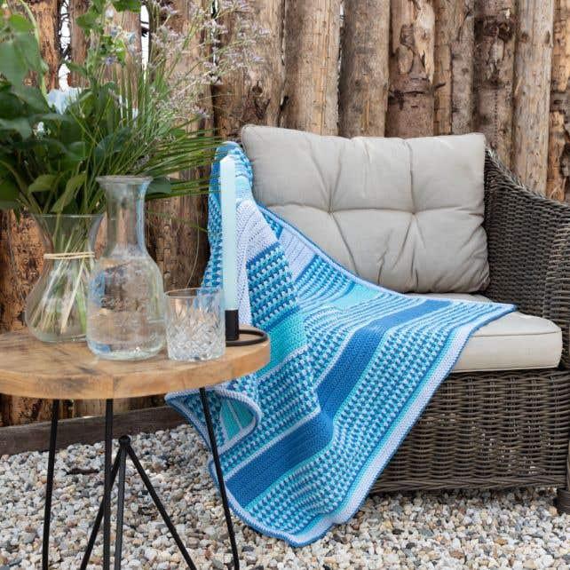 DIY Crochet Kit Blanket Stocksund - Blue