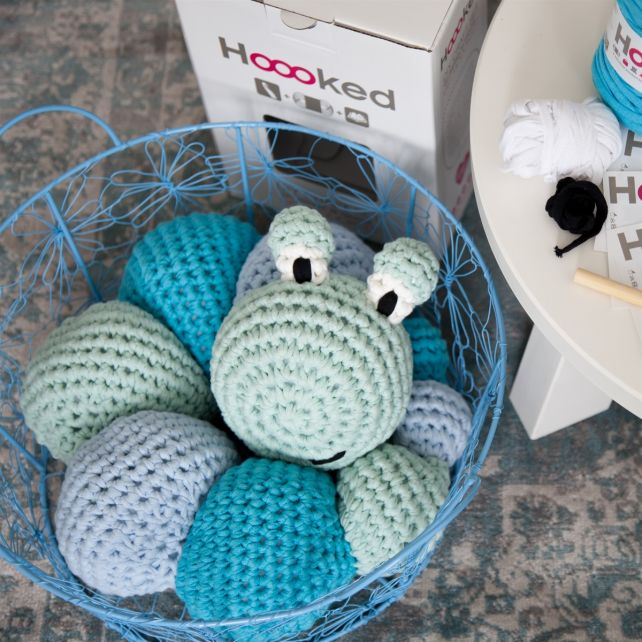 DIY Crochet Kit RibbonXL Caterpillar Louise