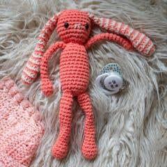 DIY Kit de Crochet Conejito Feliz Corallo