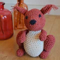 DIY Crochet Pattern Squirrel Suzy